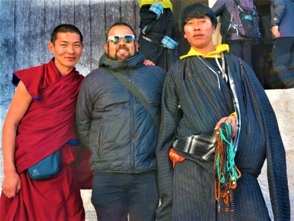 Alain Piñeiro. Viajes en Chancletas. Lhasa..jpg