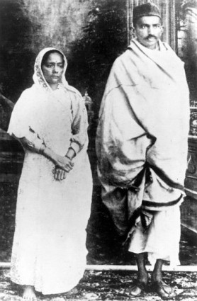 Kasturba and Gandhi.jpg