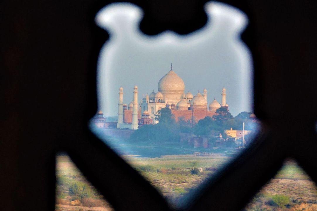 Taj Mahal 5.jpg